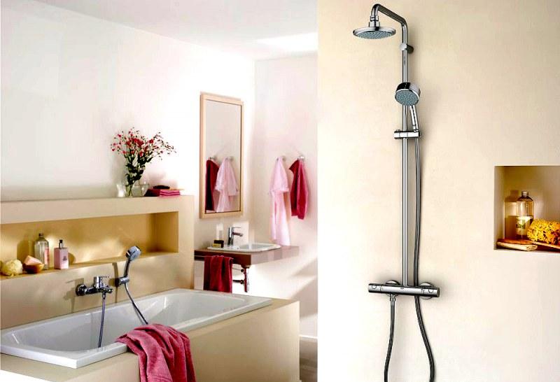 душевая колонна в ванной комнате