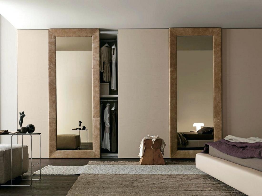Раздвижной гардероб с зеркалом